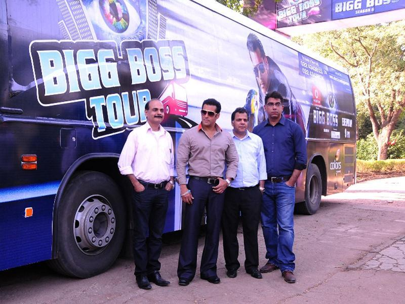 (L-R) Managing Director Bollywood Tourism Manoj Gursahani, Salman Khan, Managing Director Endemol India Deepak Dhar and CEO COLORS Raj Nayak