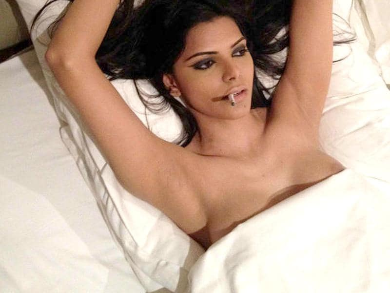 Sherlyn Chopra goes bold on Twitter again as she posted a series of topless pics in bed.