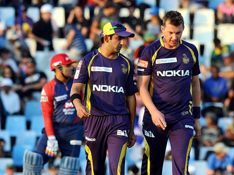 Kolkata Knight Riders captain Gautam Gambhir speaks with Australian bowler Brett Lee during a Group A match aginist Delhi Daredevils in The Champions League T20 at Super Sports Park in Centurion. AFP Photo