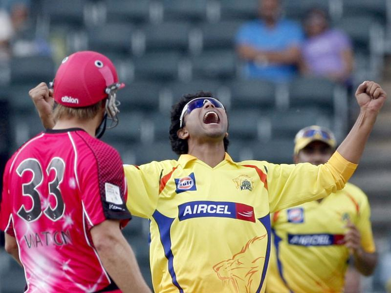 Chennai Supper Kings's bowler Ravindra Jadeja appeals successfully for an LBW against Sydney Sixers's batsman Michael Lumb as Shane Watson looks on during the Champions League Twenty20 cricket match at the Wanderers Stadium, Johannesburg. AP photo