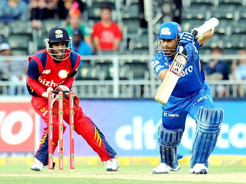 Mumbai Indians batsman Sachin Tendulkar is almost caught by Highveld Lions wicket keeper Thami Tsolekile during Group B Match of The Champions League T20 in Johannesburg. AFP/Alexander Joe