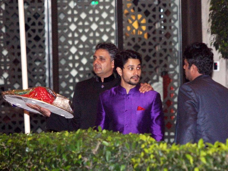 Kunal Khemu in a purple sherwani looks busy at the event. (Photo/Yogen Shah)