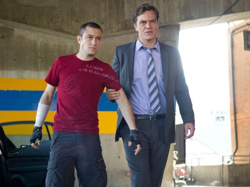 Michael Shannon plays the cop who chases Levitt.