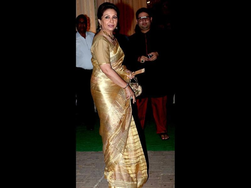 Sharmila Tagore looks graceful in a golden sari. (Photo/Manoj Verma)