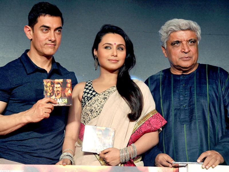 Bollywood actor Aamir Khan, actress Rani Mukerji and Javed Akhtar pose during the music launch for Talaash in Mumbai. (AFP)