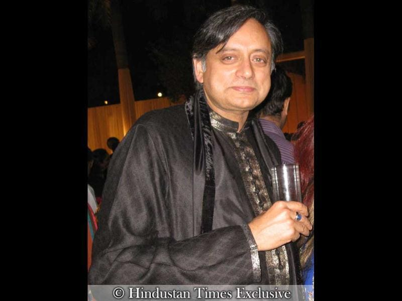 Shashi Tharoor seems to be having a good time.