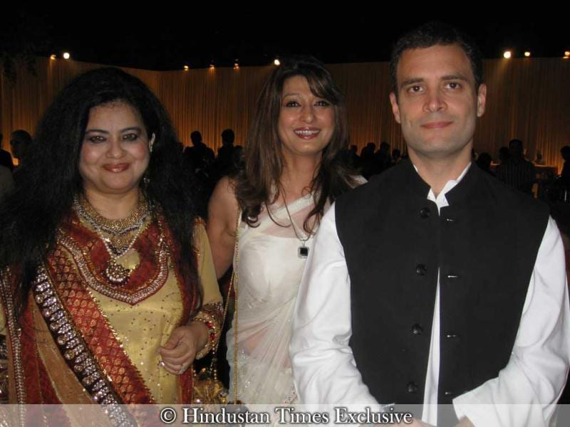Congress general secretary Rahul Gandhi also graced the event. Sunanda Pushkar can be seen in the backdrop.