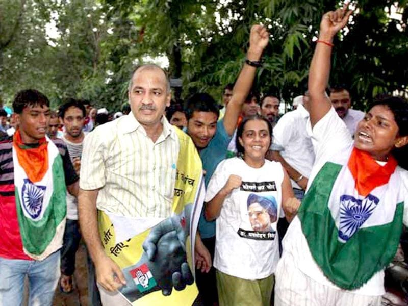 Manish Sisodia: A former TV journalist, he is considered to be Kejriwal's shadow, whom he met 13 years ago. Born and brought up in a village near Ghaziabad, Sisodia quit Zee News in 2005 to work full-time for Kejriwal's NGO. (PTI photo)