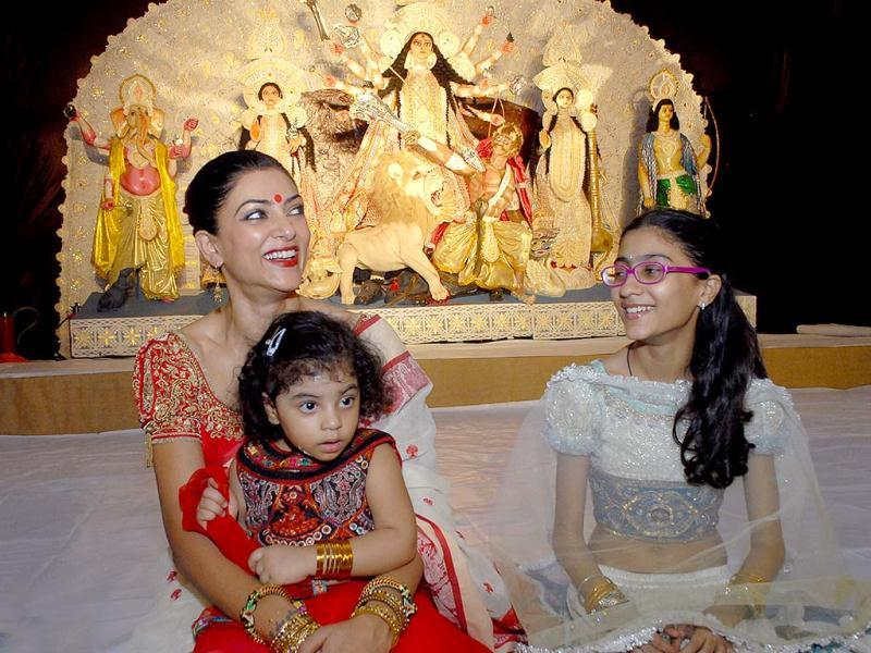 Sushmita Sen is a single mother of two adopted daughters Alisah 3, and Renee, 13.