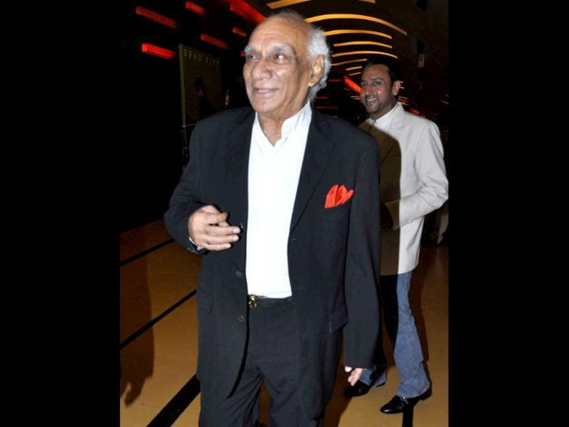 Veteran filmmaker Yash Chopra passed away in Mumbai on Sunday. He was suffering from dengue and was admitted to Lilavati hospital in Mumbai. A file photo of Chopra at 7th Chevrolet Apsara Awards 2012 in association with Hindustan Times.