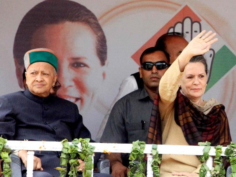 Congress president Sonia Gandhi and Virbhadra Singh during an election rally, in Mandi, Himachal Pardesh. Assembly elections in Himachal Pradesh are scheduled to be held on November 04. (Sanjeev Sharma /Hindustan Times)