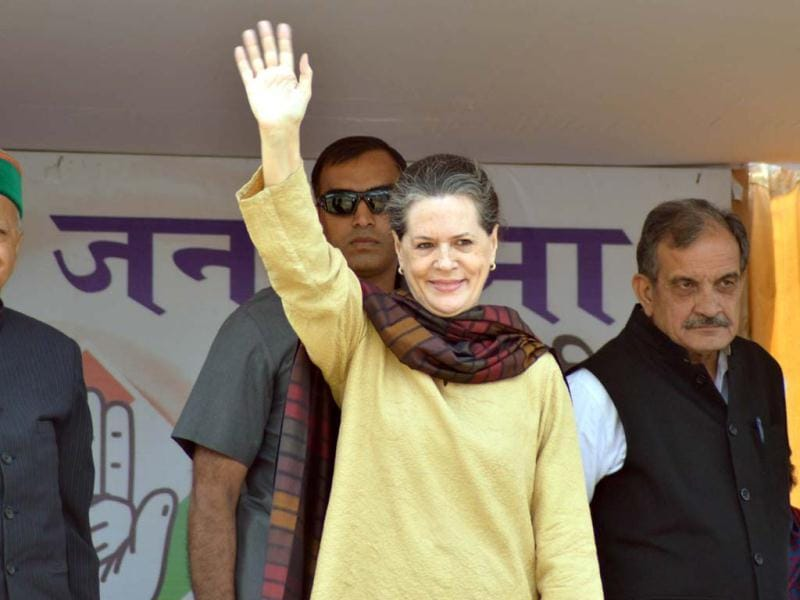 Congress president Sonia Gandhi during an election rally in Mandi, Himachal Pardesh. Assembly elections in Himachal Pradesh are scheduled to be held on November 04.(Birbal Sharma /Hindustan Times)