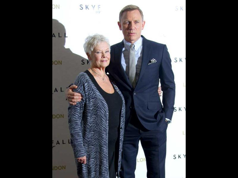 Bond & M: Daniel Craig and Dame Judi Dench (L) pose at the Skyfall photocall.