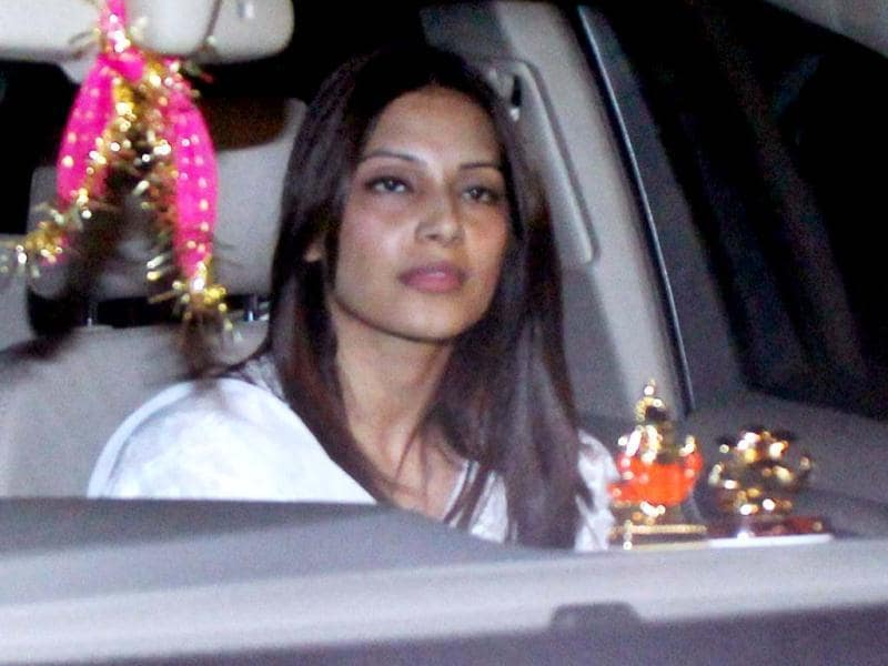 Bipasha Basu looks in a pensive mood as she arrives for Yash Chopra's Chautha ceremony.