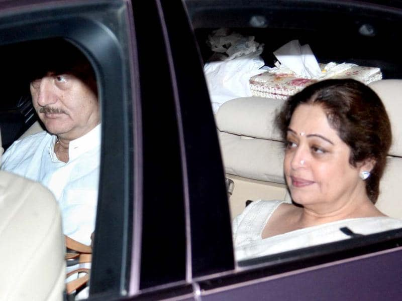 Anupam and Kirron Kher arrive at Yash Chopra's Chautha ceremony.