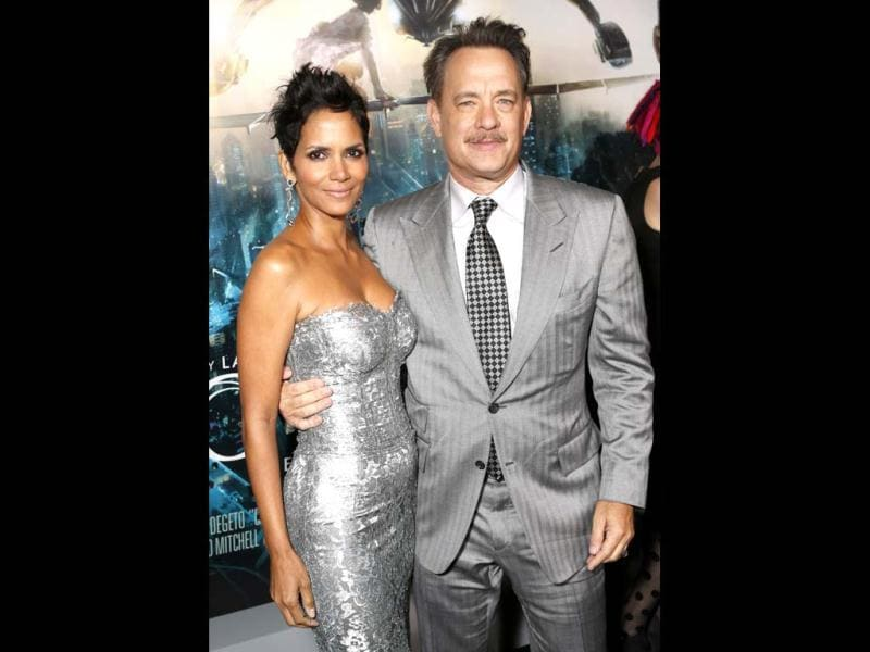 Wachowski siblings' Cloud Atlas starring Tom Hanks and Halle Berry premiered at at Grauman's Chinese Theatre, Hollywood, California. Take a look at who was there.