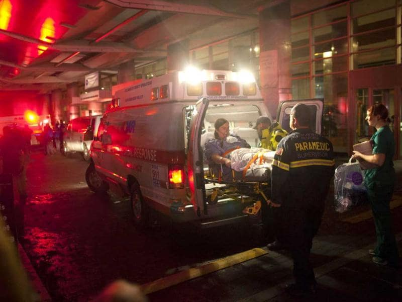 Paramedics evacuate patients from New York University Tisch Hospital due to a power outage as superstorm Sandy makes its approach in New York. Reuters photo