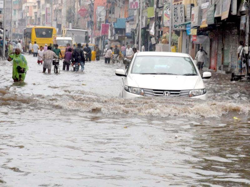 A water-logged Dr Besant road following heavy rains due to Cyclonic Storm Nilam in Chennai. UNI Photo
