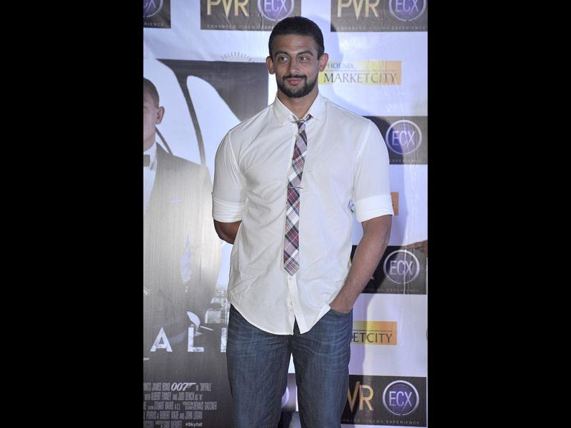 Arunoday Singh looked smart in a white shirt over blue jeans. (Photo/Prodip Guha)