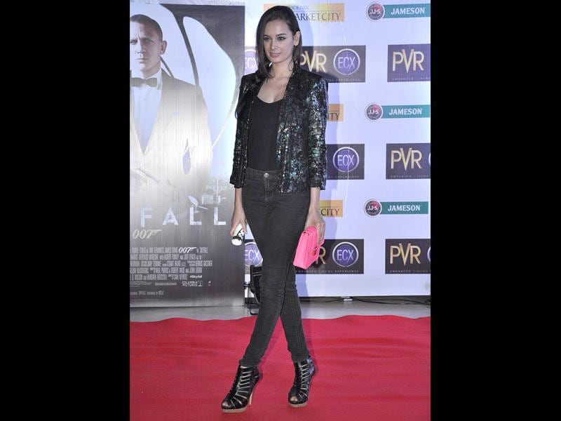 Evelyn Sharma looked hot in an all-black ensemble. (Photo/Prodip Guha)