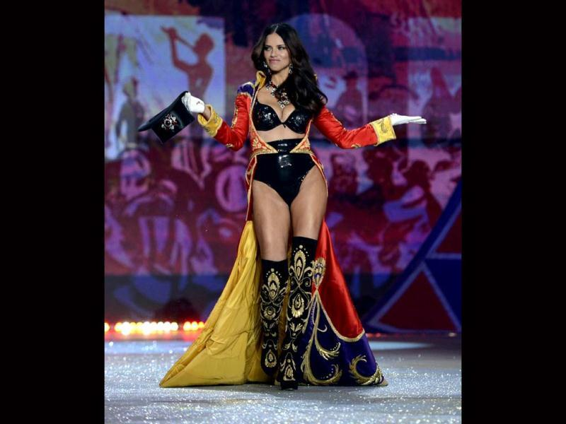 Supermodel and VS angel Adriana Lima spins some magic on the ramp at Victoria's Secret Fashion Show.