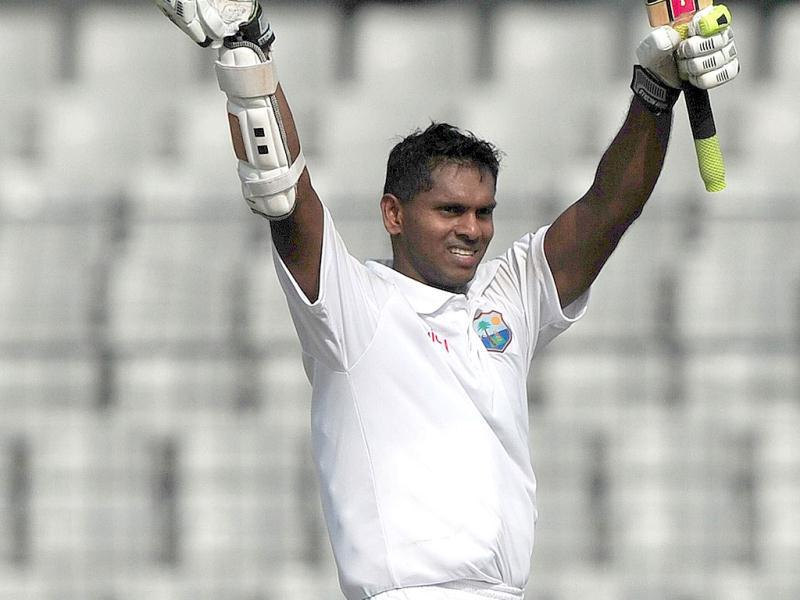 West Indies cricketer Shivnarine Chanderpaul acknowledge the crowd after scoring a double century during the second day of the first Test match between Bangladesh and West Indies at the Sher-e-Bangla National Cricket Stadium in Dhaka. (AFP Photo)