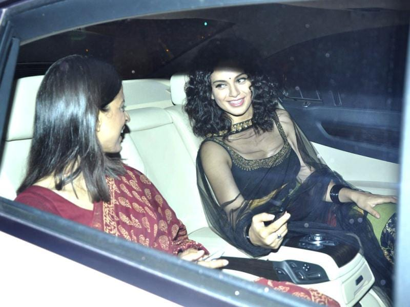 Kangana Ranaut stuns in a black suit as she arrives for the bash. (Photo/Viral Bhayani)
