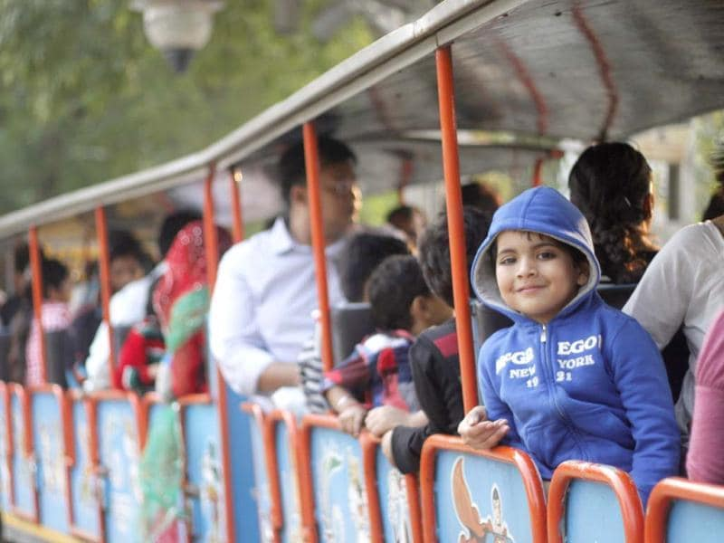 Children playing and enjoying on childrens day at National railway musuem in New Delhi.(Hindustan Times/Nadeem Hassan)