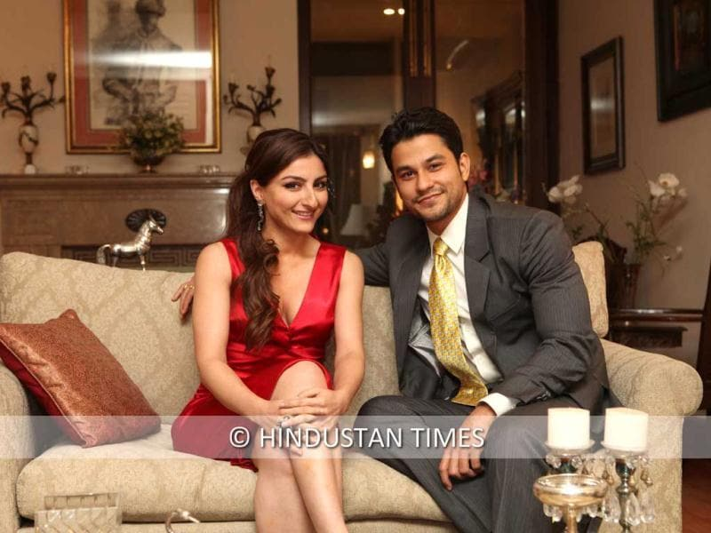Soha Ali Khan and Kunal Khemu look picture perfect as they pose for the HT photoshoot.