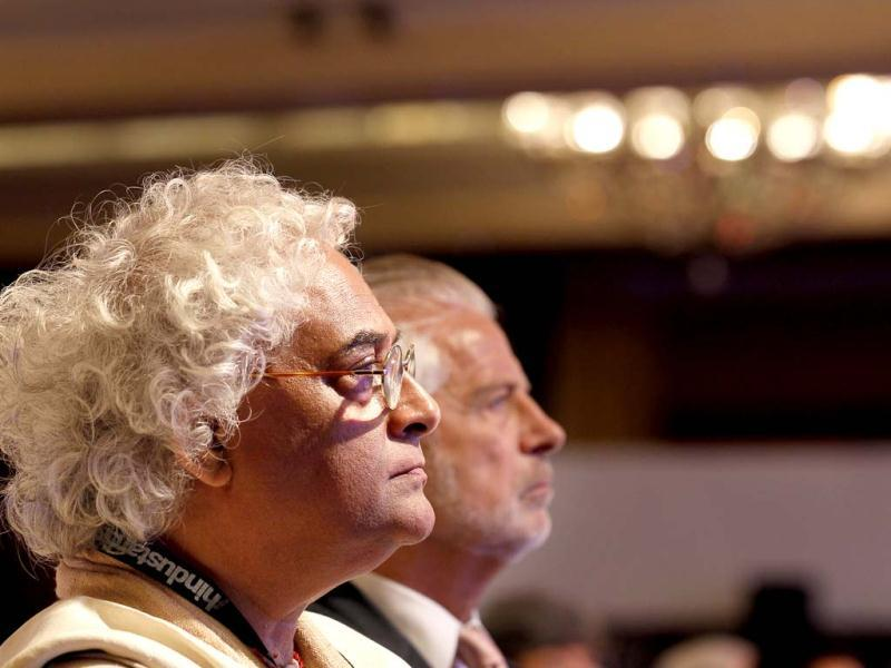 Guest Rajeev Sethi listens to a speaker during the first day of the Hindustan Times Leadership Summit in New Delhi. HT/Gurinder Osan