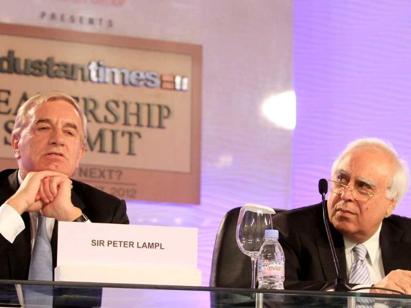 Union minister Kapil Sibal along with chairperson of The Sutton Trust Sir Peter Lampl during the Hindustan Times Leadership Summit in New Delhi. (HT Photo/Sanjeev Sharma)