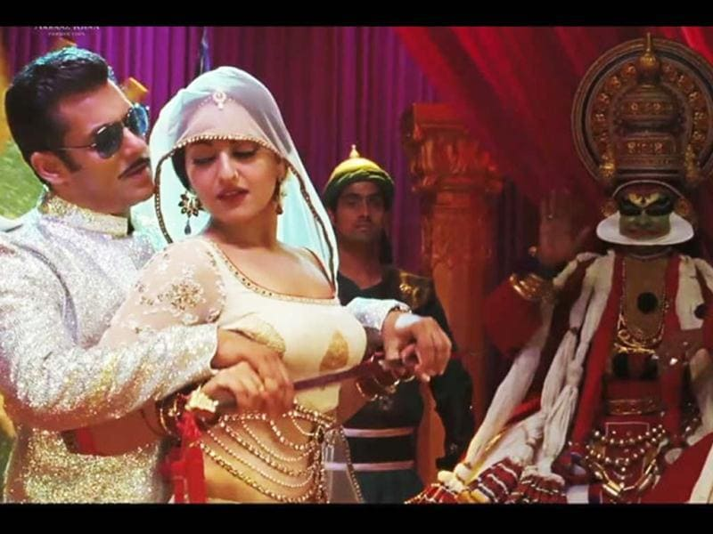 Dabangg 2 is slated for December 21, 2012 release.