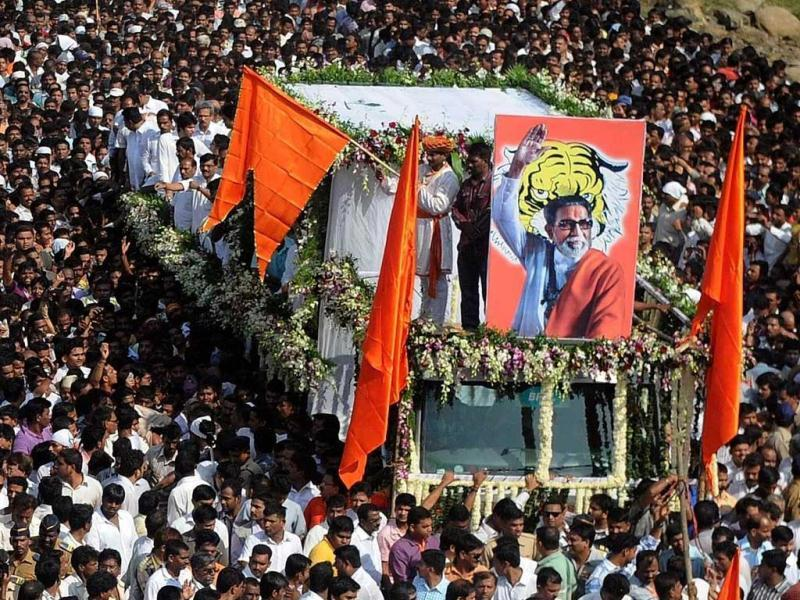 The funeral cortege of Shiv Sena chief Bal Thackeray makes way through a sea of supporters in Mumbai. AFP Photo
