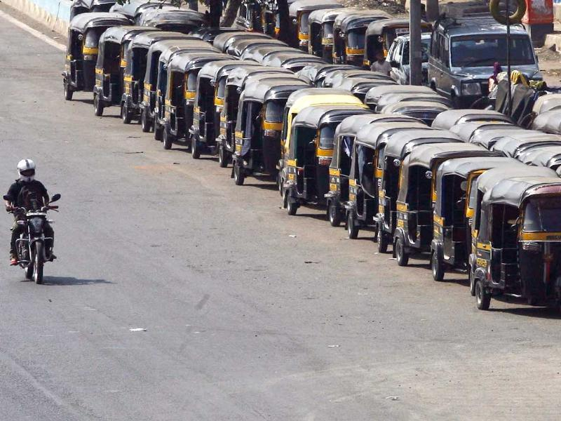 Auto's parked in a line unavailable for commuters near Kurla east on funeral day of Bal Thackeray in Mumbai. HT photo