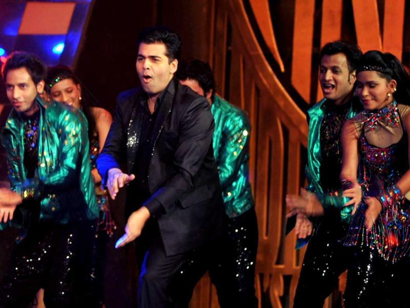 Karan Johar dances in full swing.