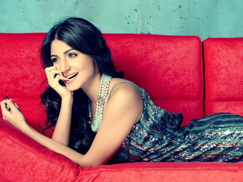 Anushka Sharma looks a stunner in this bling outfit. (Photo/Jatin Kampani)