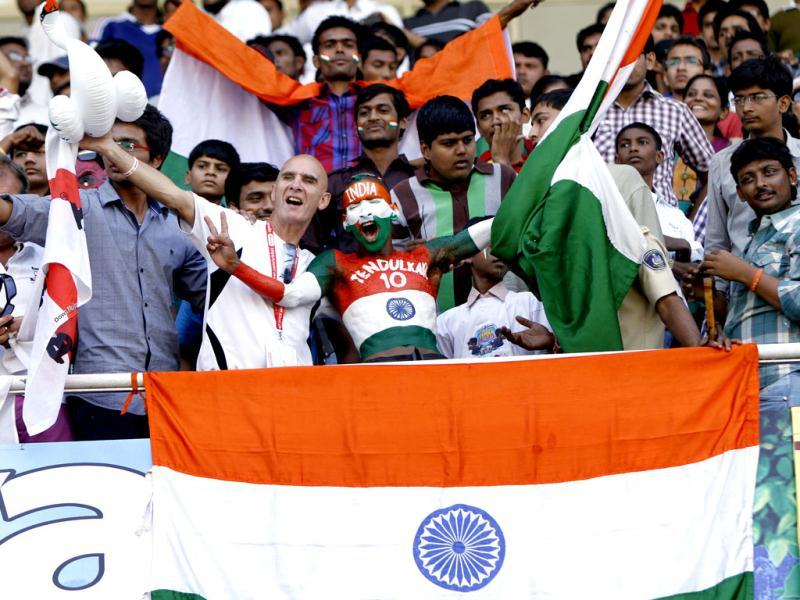 Fans cheers during the final day of first Test match between England and India at Sardar Patel Stadium in Motera, Ahmadabad. HT/Mohd Zakir