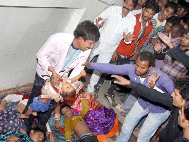 Stampede victims during Chatth, at Patna Medical College Hospital (PMCH), in Patna. (HT Photo)
