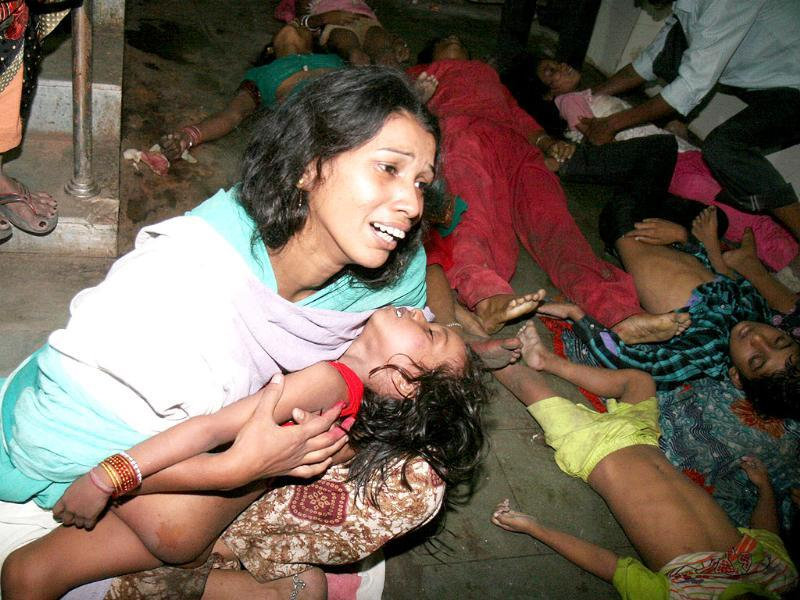 Stampede victims during Chatth puja, at Patna Medical College Hospital (PMCH), in Patna. (HT Photo)