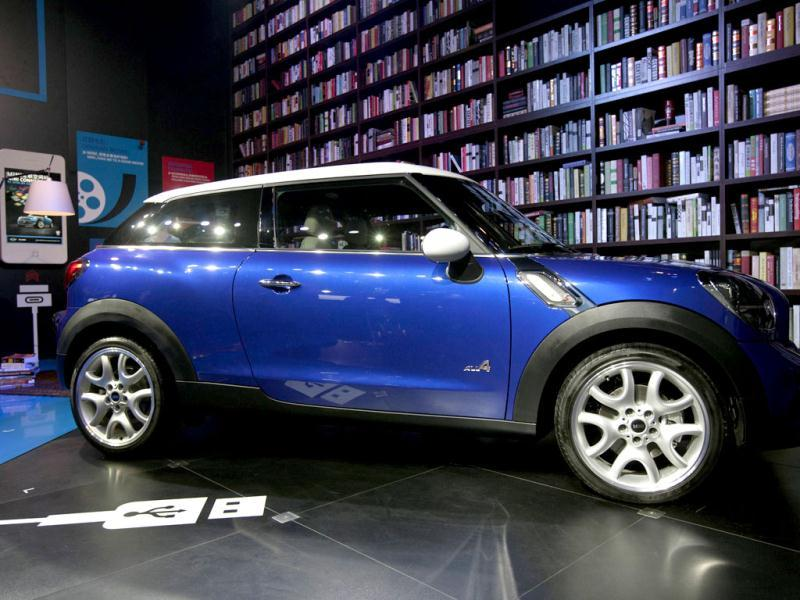 A Mini Paceman is displayed during the media preview of the 10th China International Automobile Exhibition in Guangzhou. Reuters/Tyrone Siu