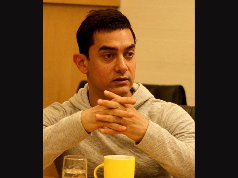 Aamir Khan showed concern about Khap critic's death recently. The actor along with Farhan Akhtar and Ritesh Sidhwani visited HT office to talk about the issue and his upcoming film Talaash.