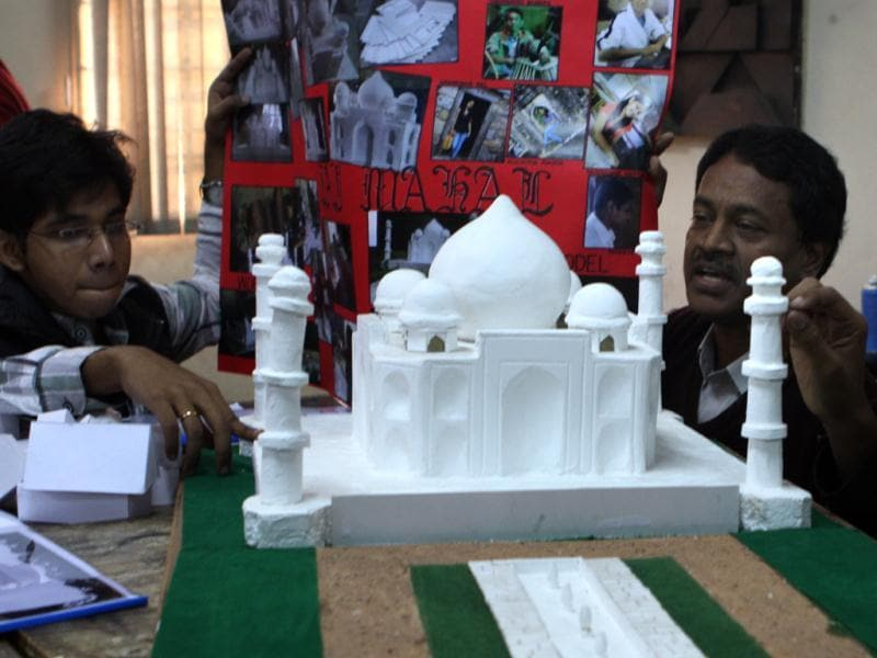 The students of School of Planning and Architecture in New Delhi making the miniature replicas of famous monuments so that visually inpaired people can also experience them. HT/Sushil Kumar