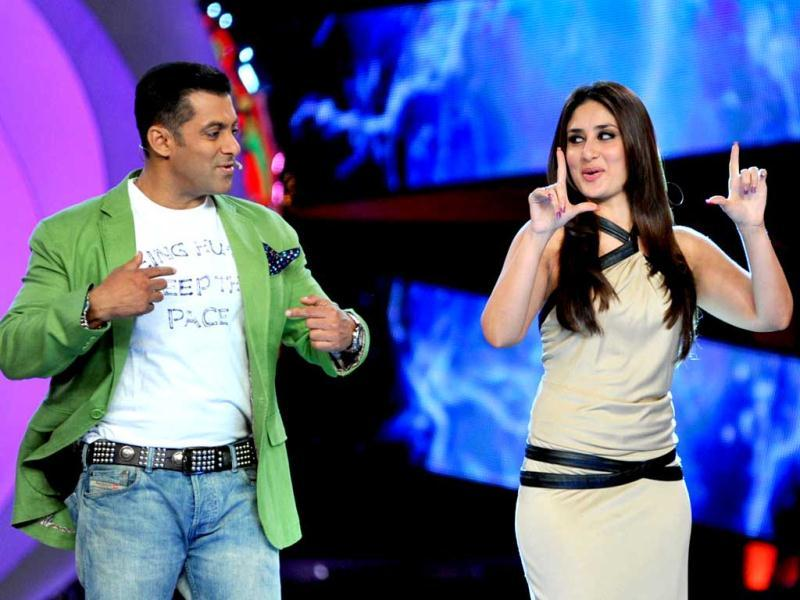 Kareena looked stylish in a nude outfit with straps and belts when she featured on Bigg Boss 6.