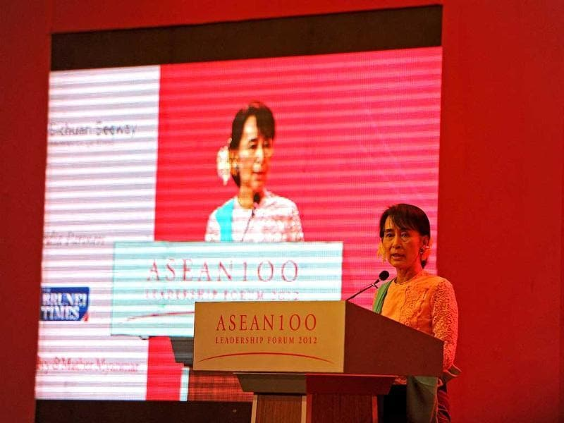 Myanmar democracy leader Aung San Suu Kyi talks during the ASEAN 100 Leadership Forum 2012 at a hotel in Yangon. Suu Kyi was speaking on the topic of 'Resilience in Turbulent Times'. AFP PHOTO