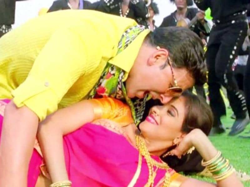 Akshay Kumar and Asin will be romancing each other once again in the hardcore Bollywood masala film Khiladi 786! Watch out for their chemistry and the action.