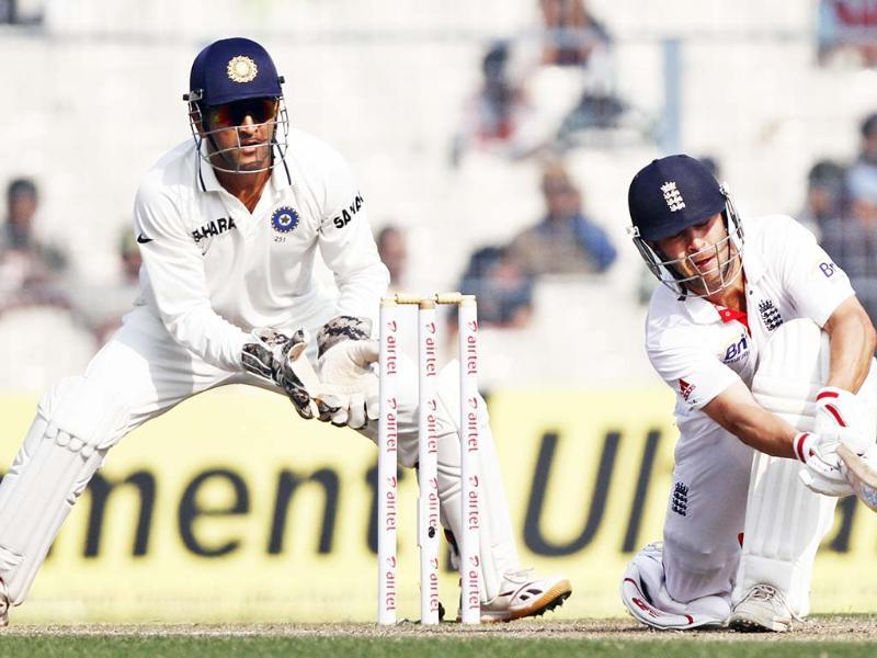 England batsman Jonathan Trott in action during his innings of 87 runs on 3rd day of 3rd Test match between India and England at Eden Gardens in Kolkata. HT Photo/Subhendu Ghosh