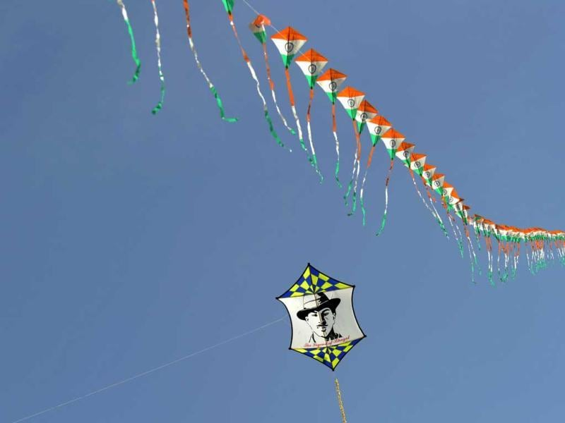 A kite displays an image of Indian freedom fighter Bhagat Singh during the Delhi International Kite Festival 2012. (AFP Photo)