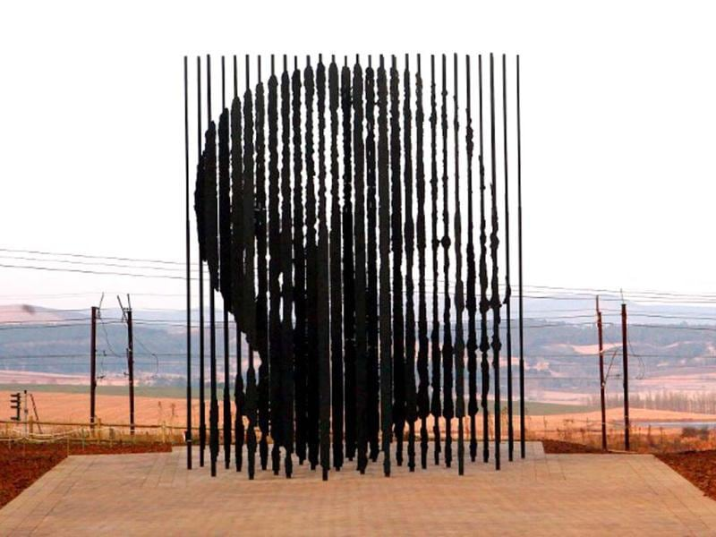 A sculpture of former South African president Nelson Mandela, commemorats the 50th anniversary of Mandela's capture by the apartheid police. (AFP file photo)