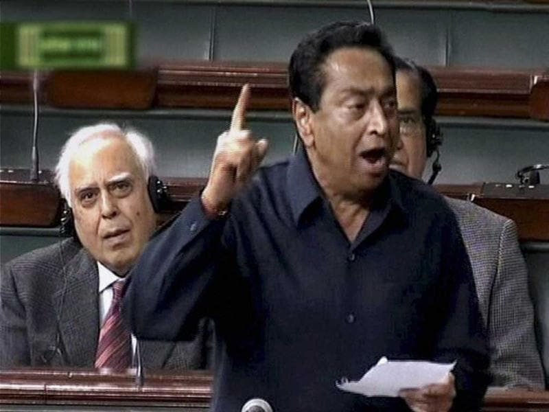 Parliamentary Affairs Minister Kamal Nath speaking in Lok Sabha. Kamal Nath speaking on the issue of Walmart lobbying to open the way for FDI in retail said the government was open to a probe. (PTI Photo)