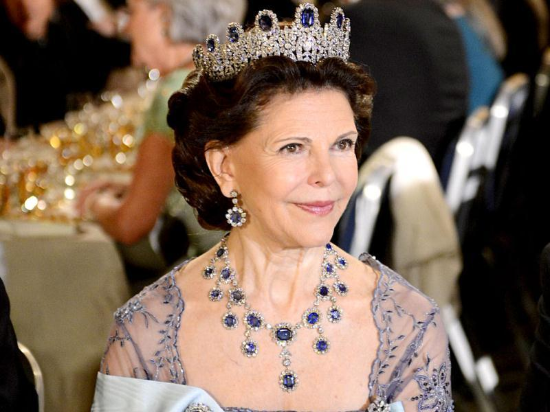 Queen Silvia of Sweden waits to attend the Nobel Banquet with the 2012 Nobel prize laureates, a traditional dinner after the Nobel Prize awarding ceremony at the Stockholm City Hall. AFP PHOTO/JONATHAN NACKSTRAND